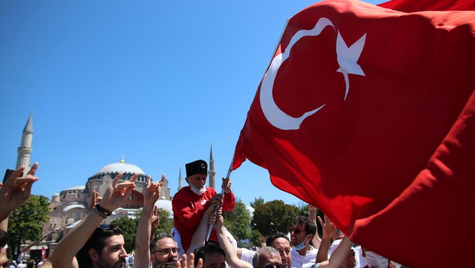 """Η Τουρκία καταδίκασε """"έντονα"""" την επίθεση στη Γαλλία"""